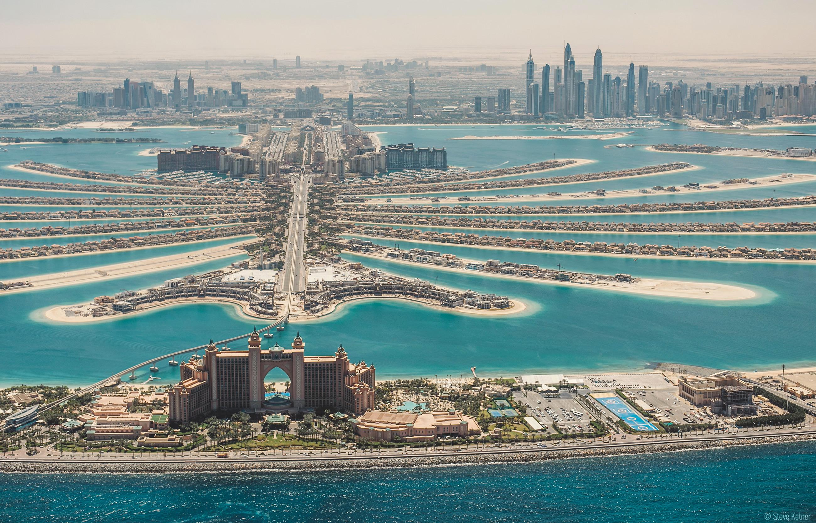 Steve Ketner - The Lost Chambers Aquarium in Palm Jumeirah, Dubai